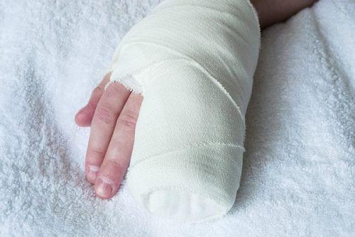 Прищемил палец появилась гематома thumbnail