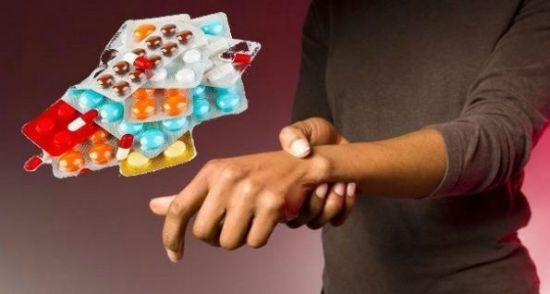 Таблетки и боль в руке